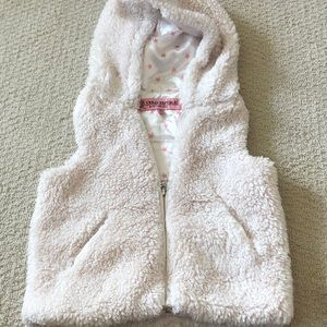 Super cute fuzzy vest
